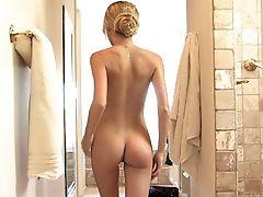 Amateur, Beauty, Blonde, Close Up, European, Long Hair, Nude, Posing, Pussy, Shower,