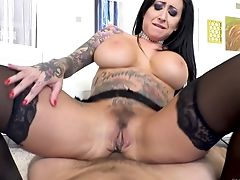 Sexe Anal, Cul, Gros Nichons, Noirs, Pipe, Cowgirl , Levrette , Doigter , Hardcore , Cheveux Longs,